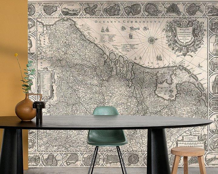 Sfeerimpressie behang: Kaart van de Nederlanden van omstreeks 1631 van Gert Hilbink