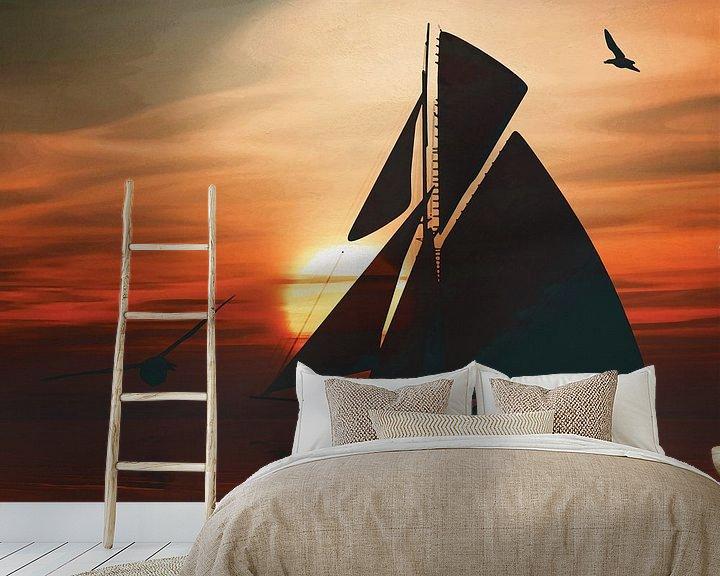 Sfeerimpressie behang: Zeilboot bij zonsondergang 3 van Jan Keteleer