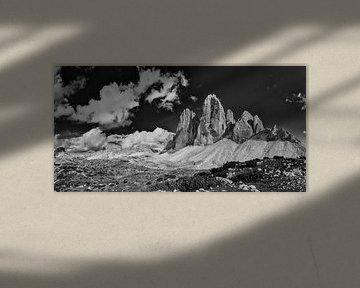 Drei Zinnen, schwarzweiss von Denis Feiner