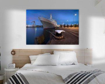 SS Rotterdam in het blauwe uurtje