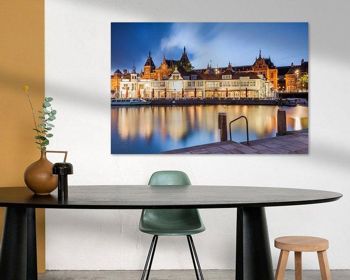 Sfeerimpressie: Amsterdam Centraal station van Dennis Van Den Elzen