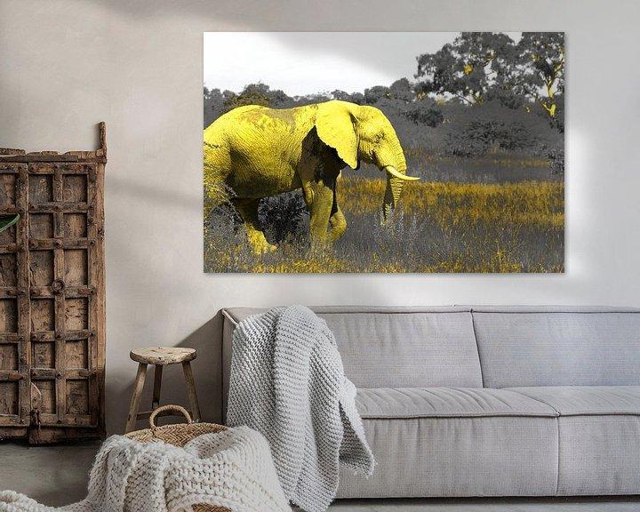 Sfeerimpressie: De gele Afrikaanse olifant wildlife natuur kunst van Bobsphotography