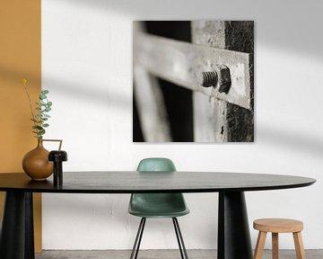 Schraube und Mutter Schraubverbindung an einem verrosteten Bauteil aus Stahl von Heiko Kueverling
