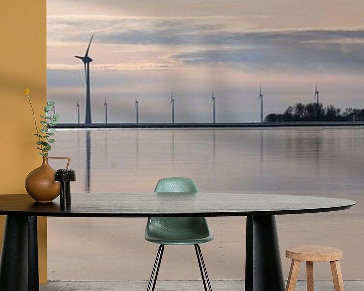 Sfeerimpressie behang: Windmolens voor de kust van de Noordoostpolder van Henk Vrieselaar