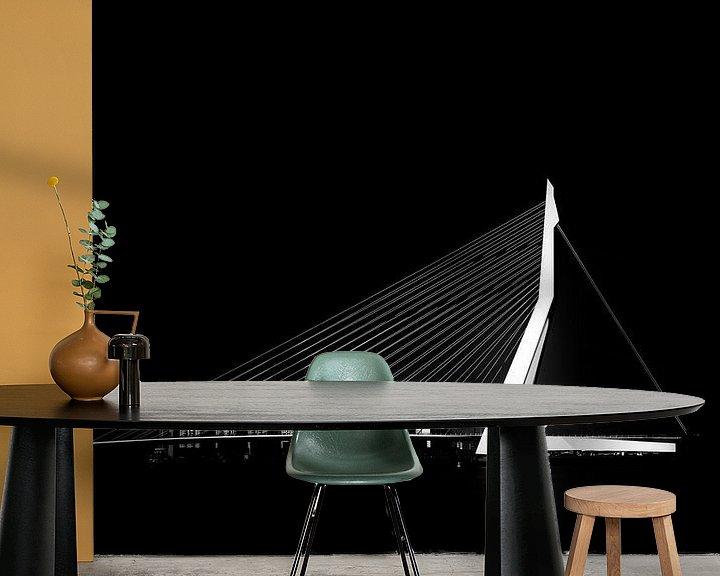 Sfeerimpressie behang: Erasmusbrug zwart wit van Prachtig Rotterdam