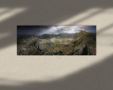 Les montagnes du nord de Majorque par temps légèrement nuageux sur Jonas Weinitschke