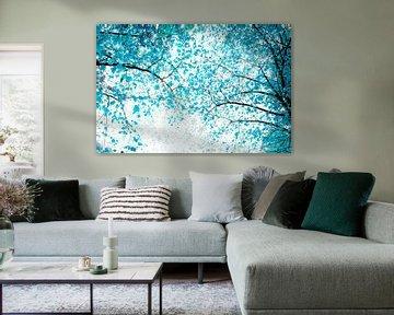 Lichtblauw bladerdak van Corinne Welp