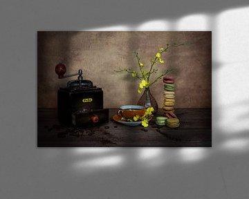 Kaffeemühle mit Macarons