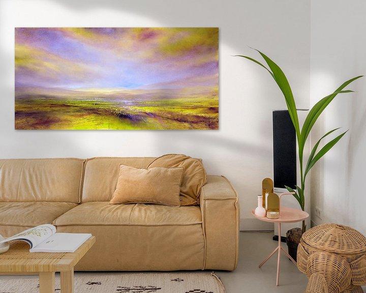 Sfeerimpressie: Het licht: violet en geel-groen van Annette Schmucker
