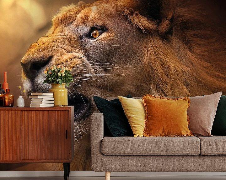 Sfeerimpressie behang: De kracht van een leeuw van Bert Hooijer