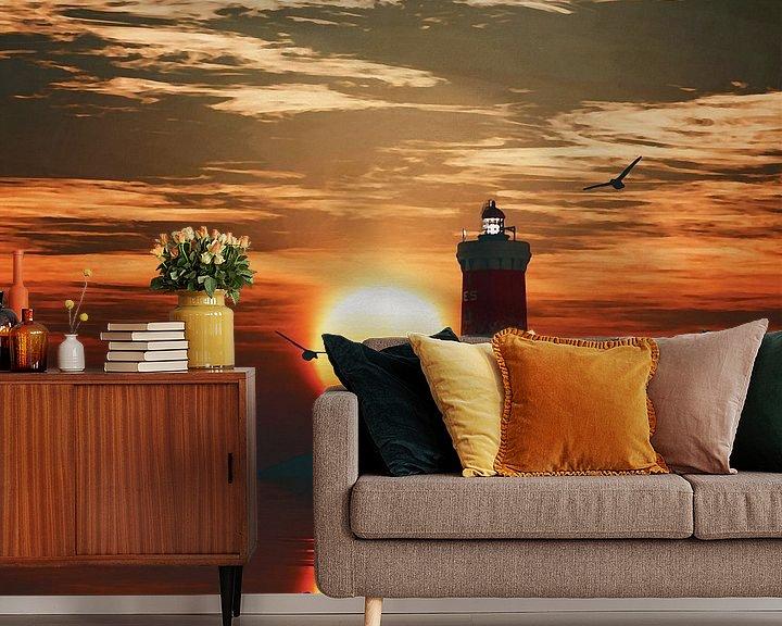 Sfeerimpressie behang: Vuurtoren Pierre Noires met een zonsondergang en turbulente Cirruswolken van Jan Keteleer
