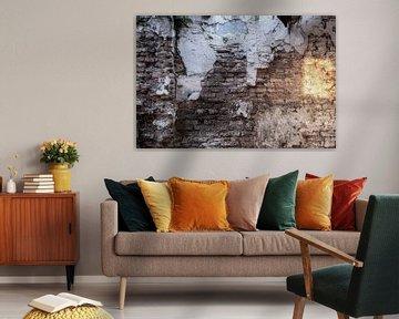 Verweerde muur met zonnevlek van Affect Fotografie