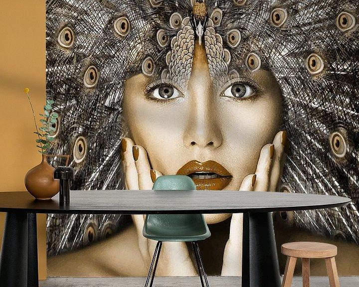 Sfeerimpressie behang: Girl Pauwer van Mirjam Duizendstra