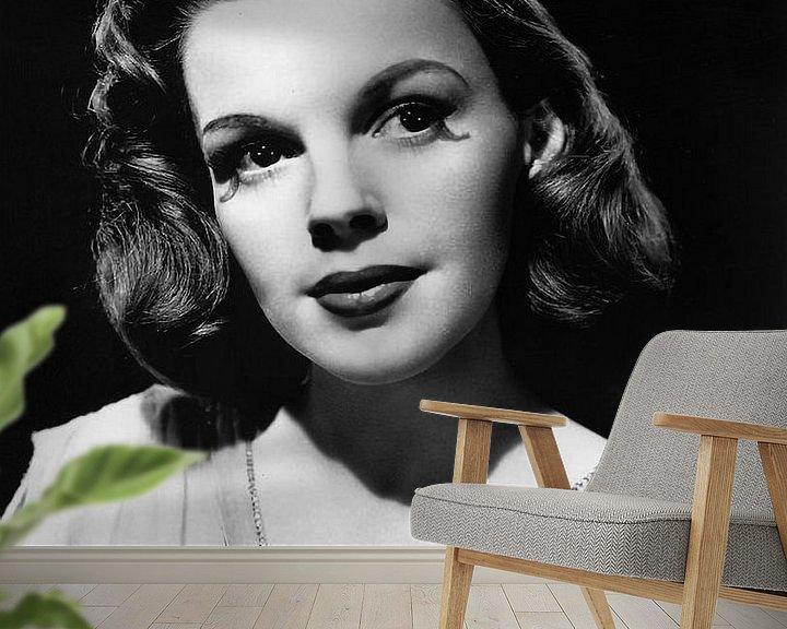 Sfeerimpressie behang: Judy Garland van Brian Morgan