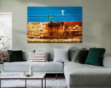 De scheepsromp is een kunstwerk in de haven. van scheepskijkerhavenfotografie