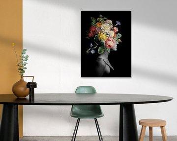 She Blooms in Lightness von Marja van den Hurk