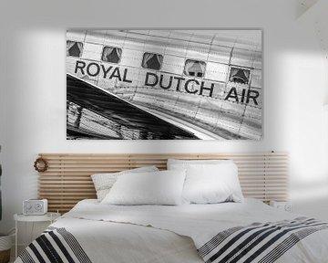DC-3 staat te glimmen. van Johan Kalthof