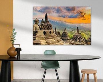 Borobudur: Buddha in offener Stupa von Eduard Lamping