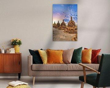 Zonsondergang over Stupa's Borobudur van Eduard Lamping