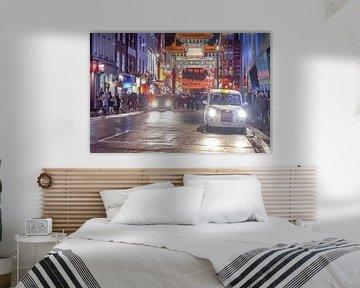 Feestelijk versierde straat in London van Agnes Koning
