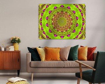 Magisches Mandala (Hellgrün) von Caroline Lichthart