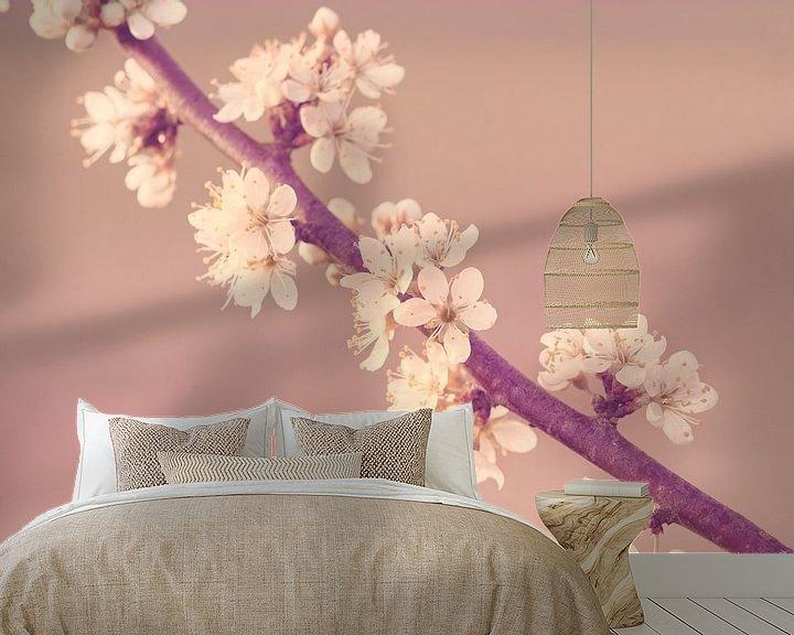 Sfeerimpressie behang: Sleedoorn in bloei van Harmen Mol