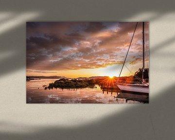 Avondsfeer in de kleine haven van Coromandel, Nieuw-Zeeland van Christian Müringer