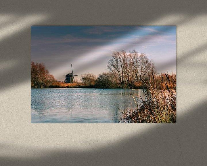 Sfeerimpressie: Hollandse molen aan het water van Erna Böhre