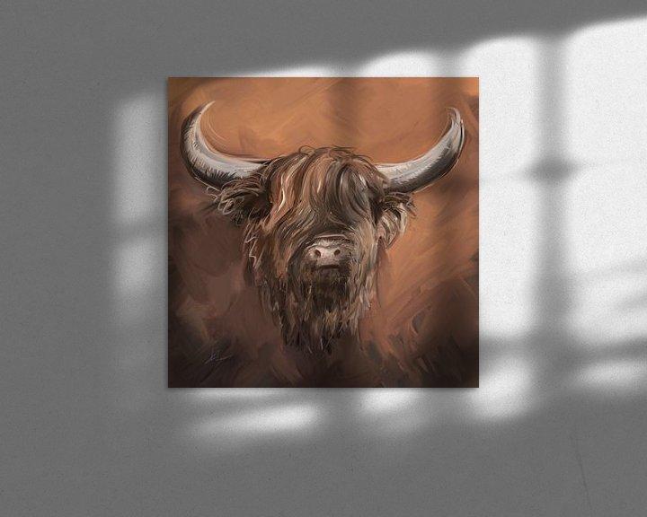 Sfeerimpressie: Schotse hooglander met natuurlijke aardse tinten taupe bruin en witte accenten. van Emiel de Lange