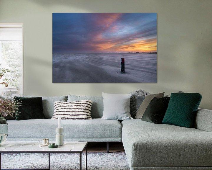 Sfeerimpressie: strandpaal met stuifzand van Marjolein van Roosmalen