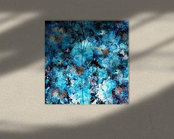 Flower Bomb . Abstracte bloemen impressie . van Saskia Dingemans