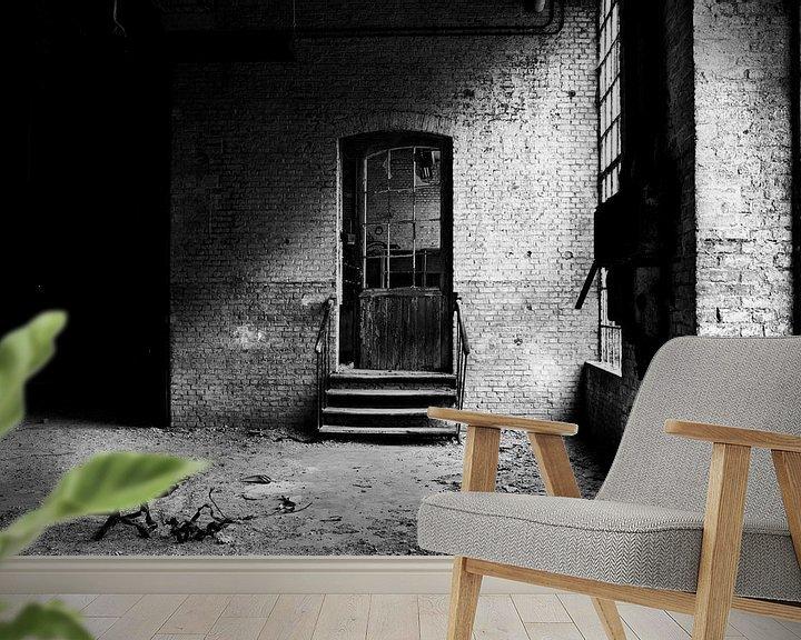 Beispiel fototapete: Die Tür in einer verlassenen Fabrik von Eus Driessen