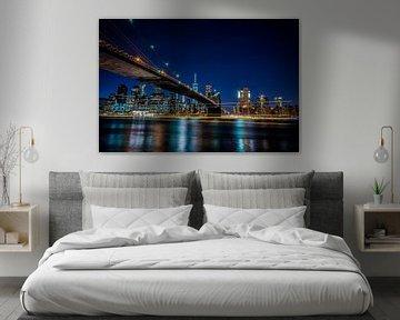 Abendlicht Foto der Brooklyn Bridge und New York von Juliette Laurant