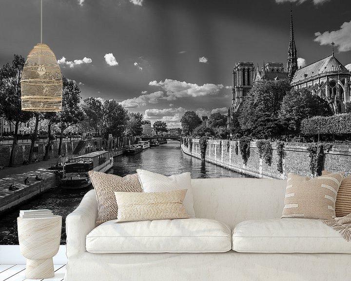 Sfeerimpressie behang: Bij Notre Dame de Paris van Vincent de Moor