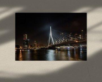 Erasmusbrücke in Rotterdam bei Nacht von Jaap van den Berg