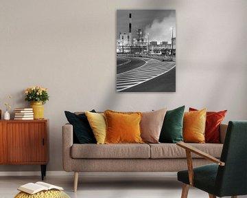 Petrochemie-Produktionsanlage mit grafischem Wegmarken, Antwerpen von Tony Vingerhoets