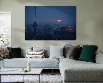 Euromast en de haven van Rotterdam Licht en Donker van Marcel van Duinen
