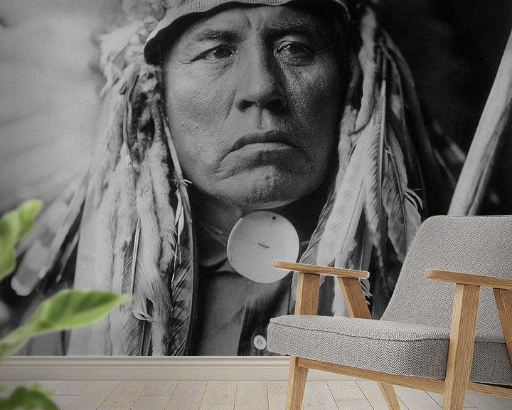 Sfeerimpressie behang: Sitting Bull van Brian Morgan