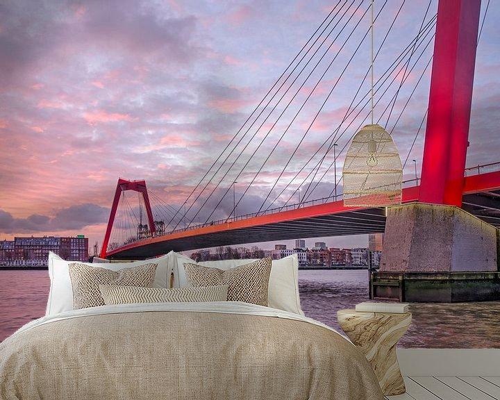 Sfeerimpressie behang: Willemsbrug bij zonsopkomst van Frans Blok