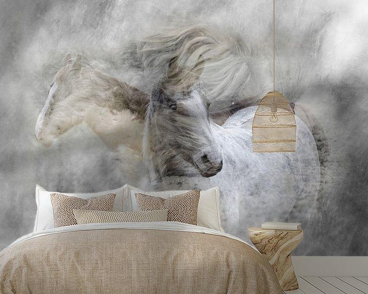 Sfeerimpressie behang: Wervelende paarden van Hannie Kassenaar