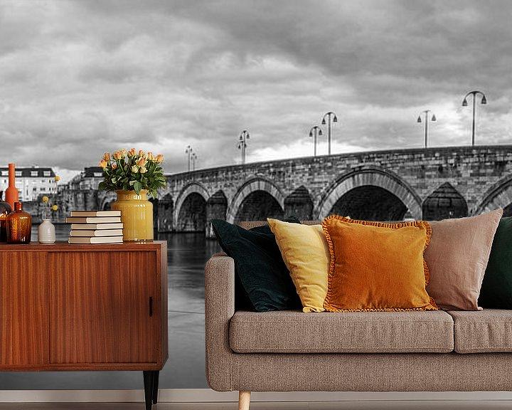 Sfeerimpressie behang: Maastricht Sint Servaasbrug van Geert Bollen