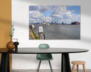 Skyline Rotterdam vanaf de kade bij Schiedam van FotoGraaG Hanneke