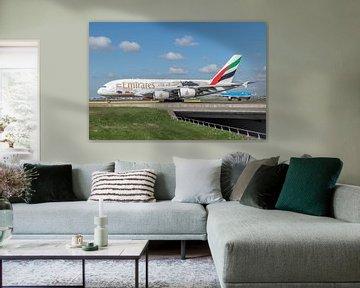 Airbus A380 van Emirates (A6-EDG) voorzien van stickers met als thema United for Wildlife. van Jaap van den Berg