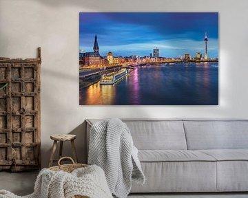 Skyline van Düsseldorf en de Rijn van Michael Abid