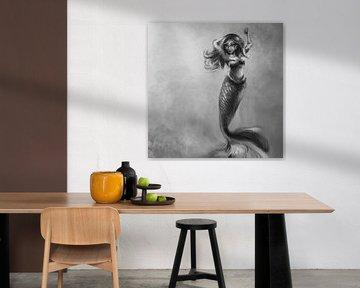 Kunstwerk van stoere zeemeermin. Zwart wit schilderij op hoge resolutie.Olieverf stijl in tinten gri van Emiel de Lange
