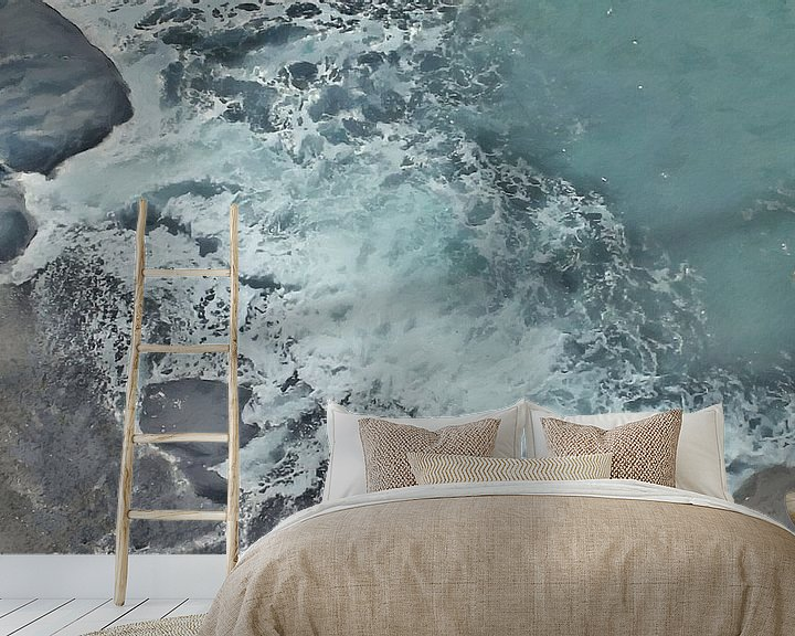Sfeerimpressie behang: Strand met Rotsen en Schuimende Golf - Schilderij van Schildersatelier van der Ven
