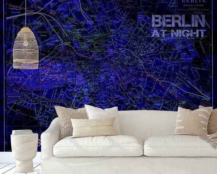 Sfeerimpressie behang: Berlijn bij nacht van christine b-b müller