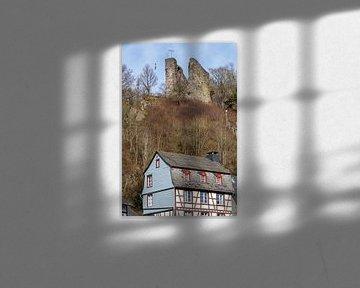 Haller und historisches Fachwerkhaus in Monschau in der Eifel von Reiner Conrad
