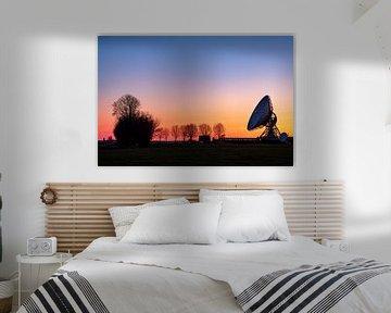 Zonsondergang bij het grote oor in Burum, Friesland van Evert Jan Luchies