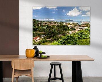 Panoramablick auf die Hafenstadt Port Victoria auf der Seychelleninsel Mahé von Reiner Conrad